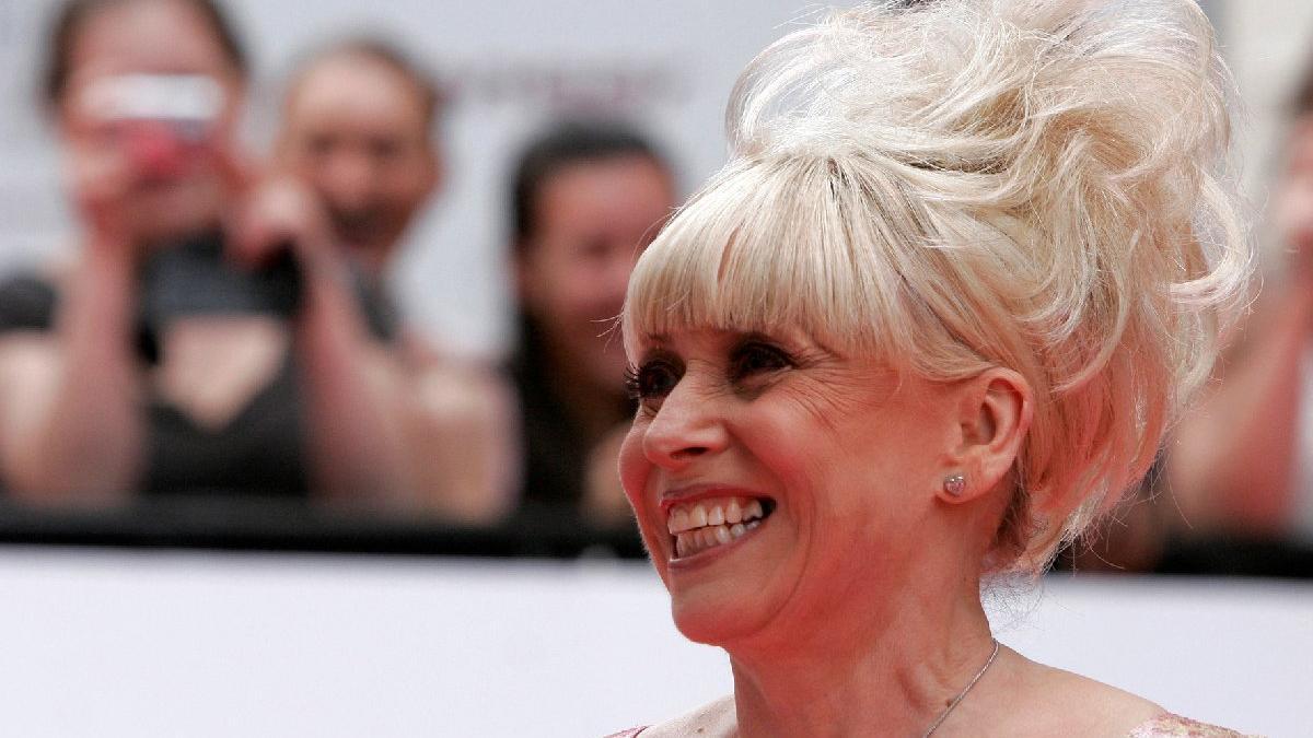 İngilizler yasta... Ünlü oyuncu Barbara Windsor yaşamını yitirdi