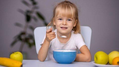Çocuklar uzaktan eğitim sürecinde nasıl beslenmeli?