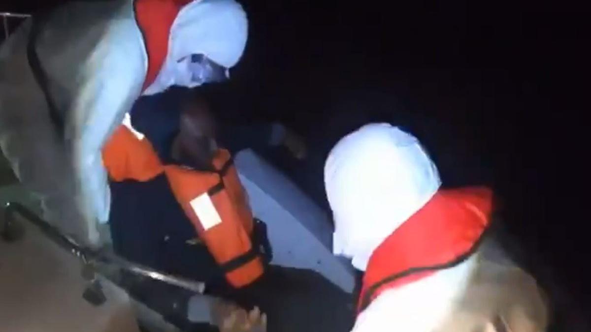 Yunanistan'ın darbedip, ölüme terk ettiği göçmenleri Türkiye kurtardı