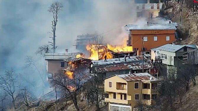Rize'de korkutan yangın