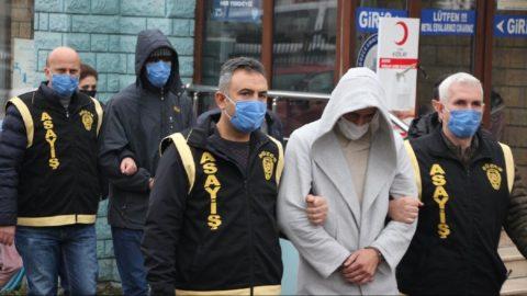 FETÖ soruşturmasında el koyulan araçları çalmak isterken yakalandılar