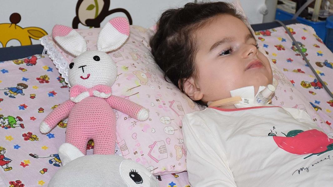 SMA hastası Duru'nun tedavisi için kilo almaması gerekiyor