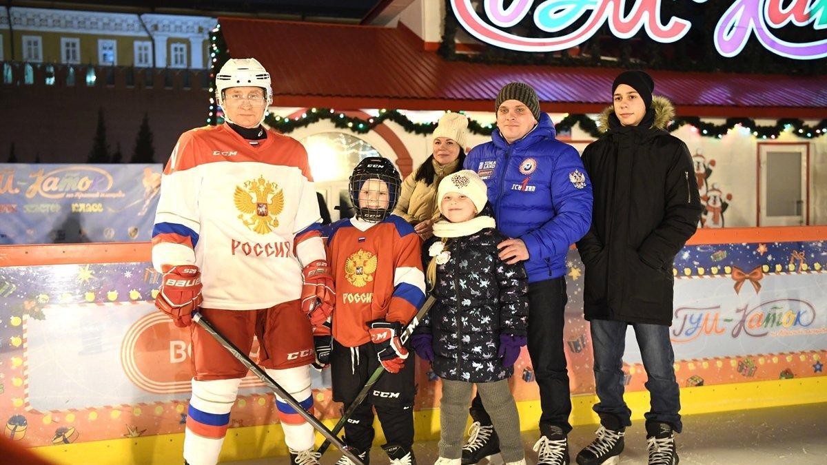 Putin lösemiyi yenen çocuğun dileğini gerçekleştirdi