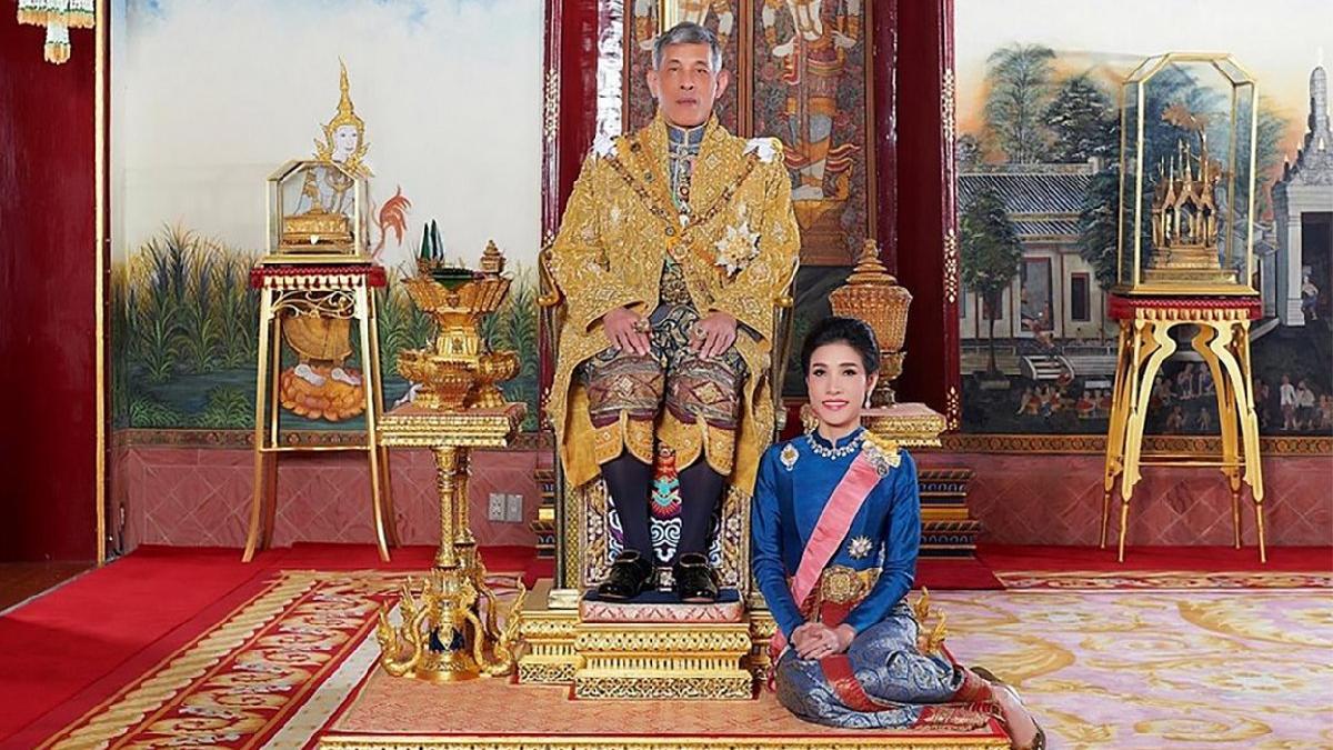 Tayland Kralı Vajiralongkorn'un metresinin çıplak fotoğrafları sızdırıldı