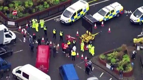 İngiltere'de mahsur kalan tır şoförlerinden protesto