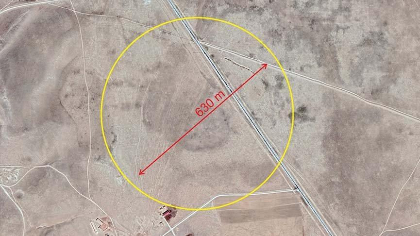 630 metre çapında obruk tespit edildi: Üzerinden yol geçiyor