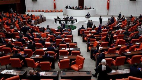 Küçük esnafa destek önergesi, AKP ve MHP oylarıyla reddedildi