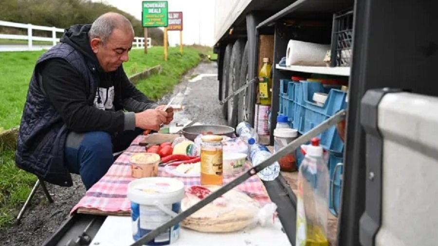 İngiltere TIR şoförlerini konuşuyor... Mutasyon kuyruğunda Türk kahvaltısı