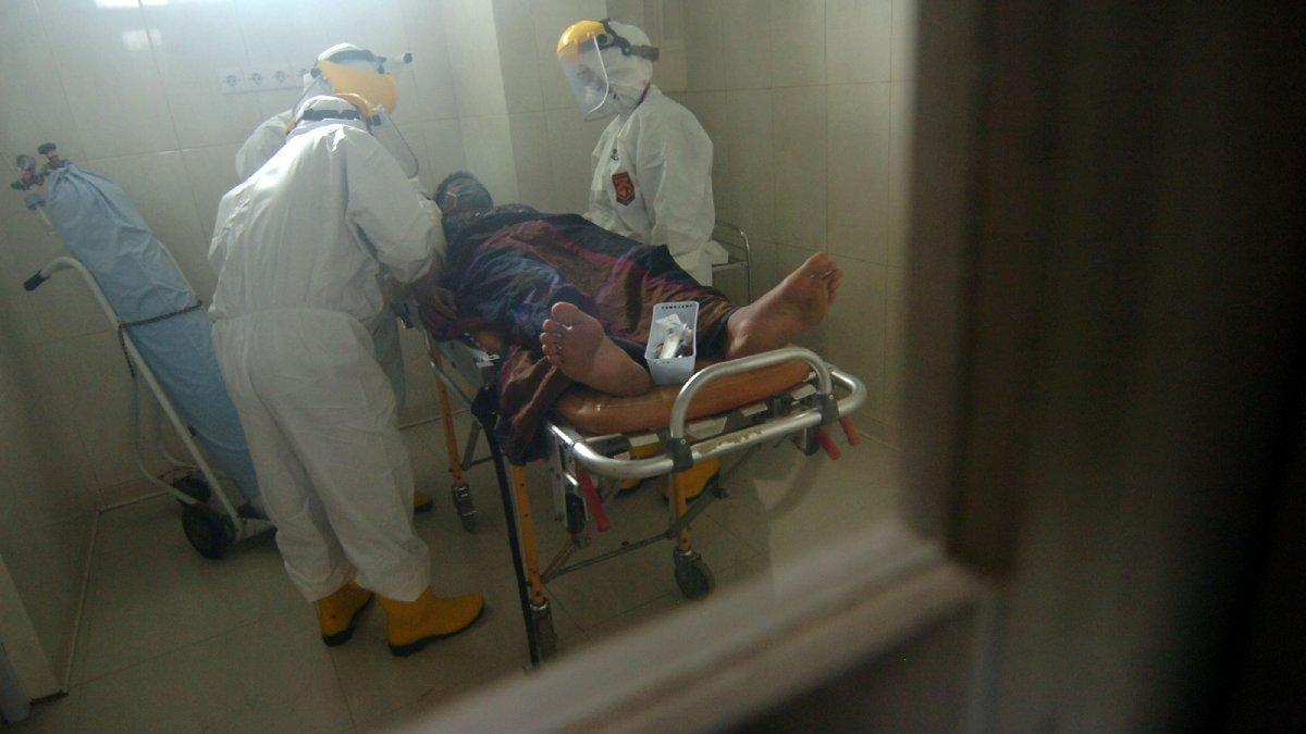 Hastanenin corona servisinde dehşet: Yanındaki hastayı oksijen tüpüyle öldürdü