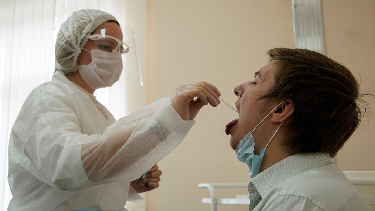 Mutasyonlu corona virüsü Fransa'ya da sıçradı