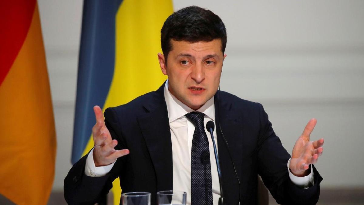 Ukrayna lideri Zelenskiy: Sağlıkçıya, askere, öğretmene ve kronik hastaya aşı ücretsiz