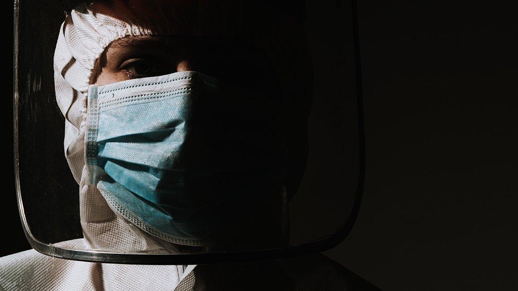 'Sağlık çalışanlarına izin, emeklilik, tayin yasak, ölüm serbest'