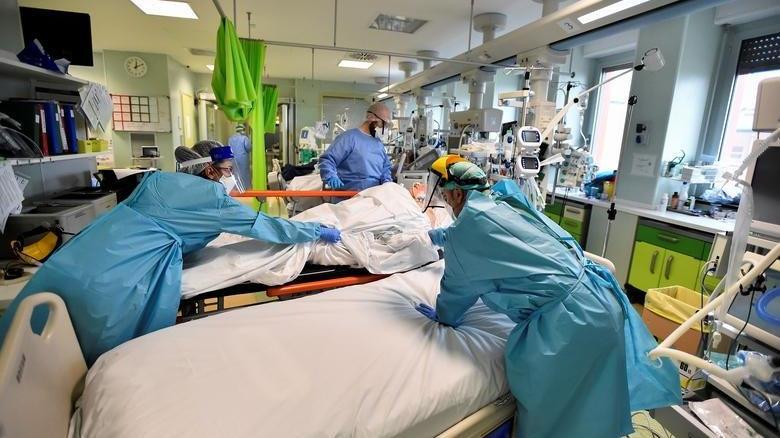 İtalya'da coronaya bağlı can kaybı 75 bini aştı