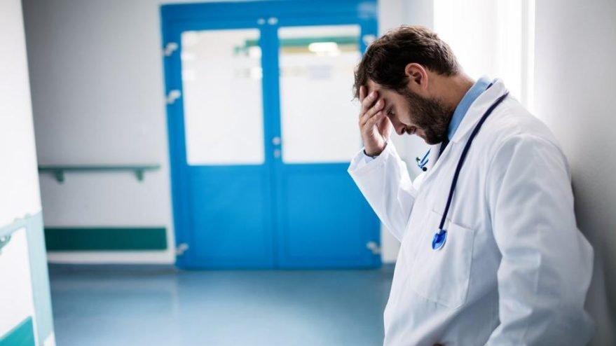 Bir günde 5 sağlık çalışanı daha coronadan yaşamını yitirdi