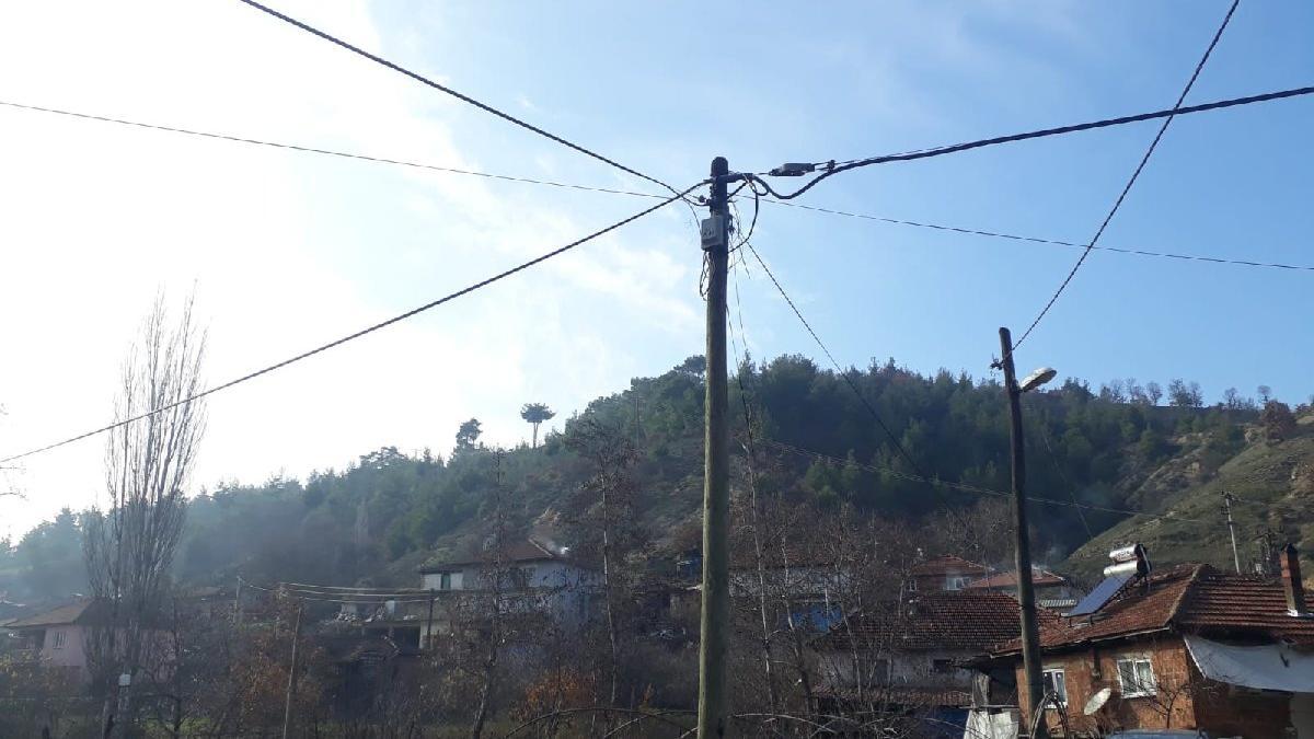 Hırsızlar bir köyü internetsiz bıraktı