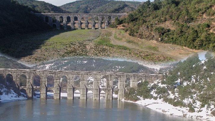 Alibeyköy Barajı'nda aynı noktada çarpıcı görüntüler...