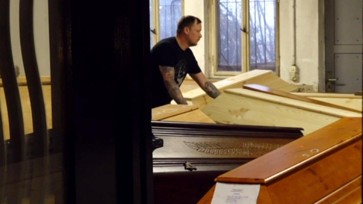 Almanya'da vahim görüntü: Krematoryumlar cesetlerle doldu