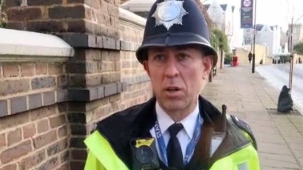 İngiltere'de 30 yıldır görev yapan Türk polise imparatorluk ödülü