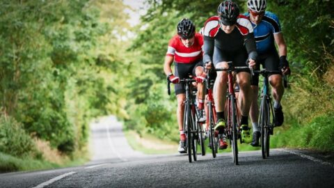 Bacak kaslarına elektrik şoku vererek performansı artıran bisiklet şortu