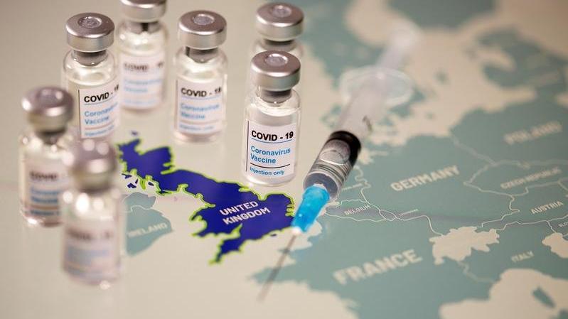 İngiltere'de aşı olan kişi sayısı 2 milyonu aştı