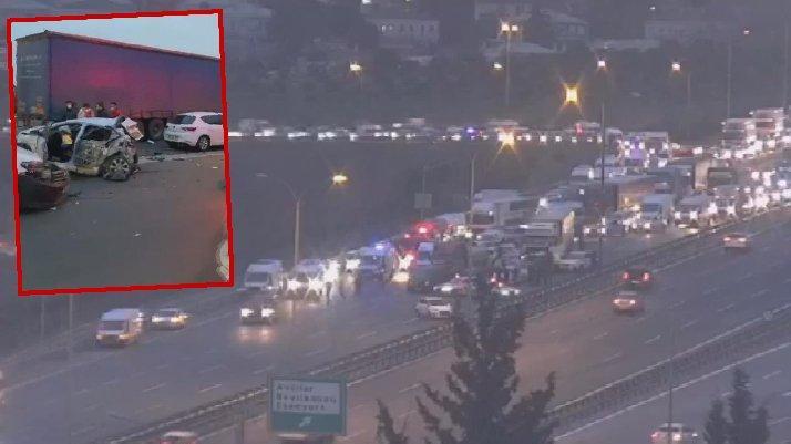 TEM'de zincirleme kaza: Trafik kilitlendi