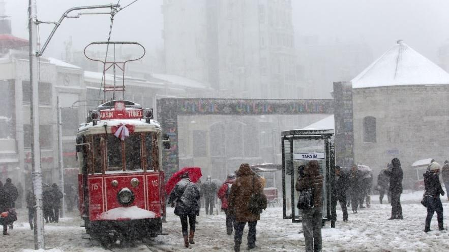İstanbul'a 4 günlük kar yağışı uyarısı! Yarın hava durumu hızla değişecek...