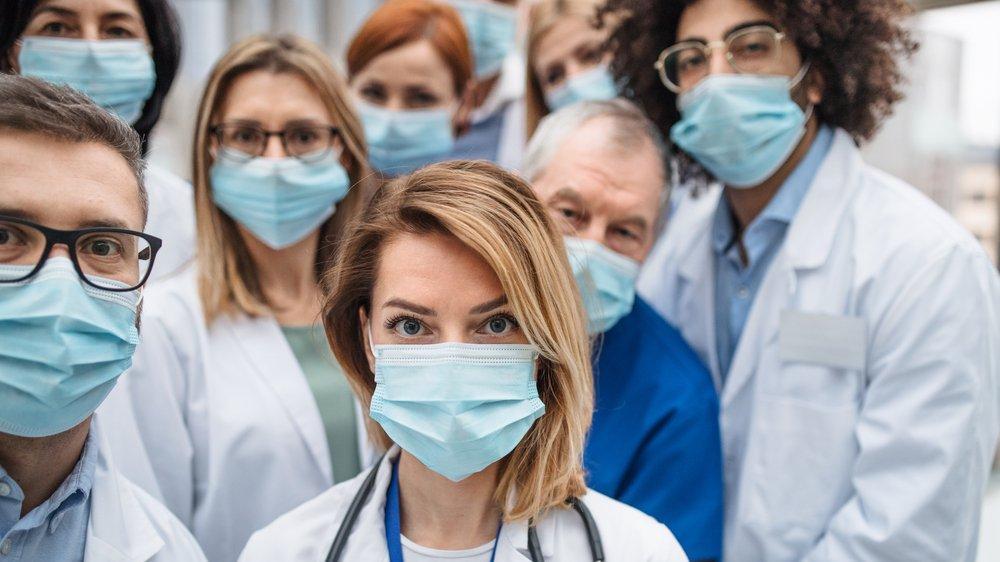 İngiltere'de kritik araştırma: Mutasyonlu corona virüsü kadınları daha çok vuruyor