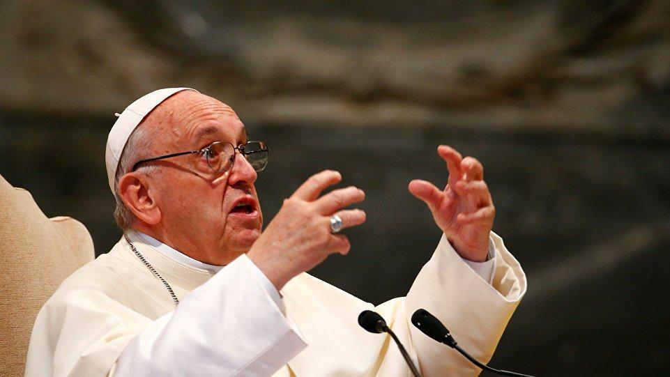 Papa Francis corona aşısı yaptırdı