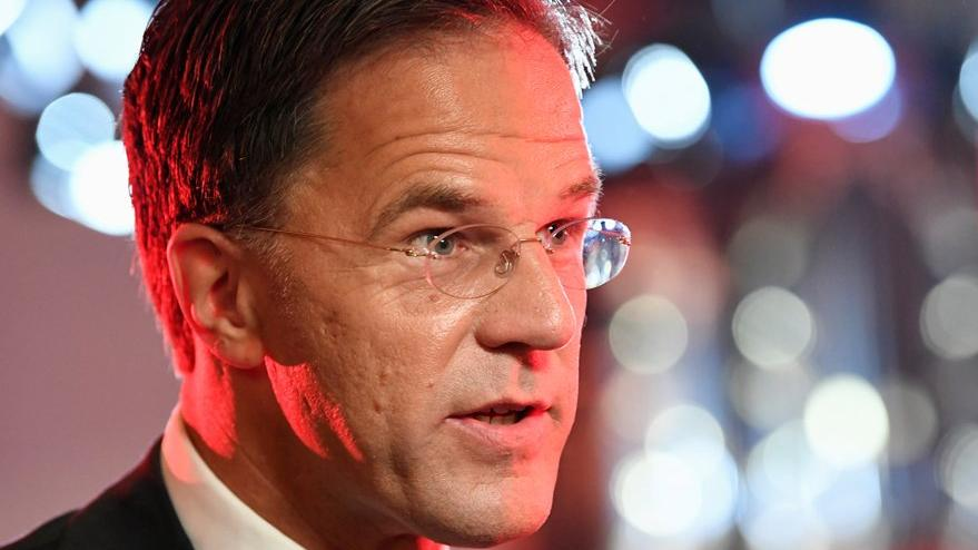 Hollanda'da kriz büyüyor: Hükümet istifa etti