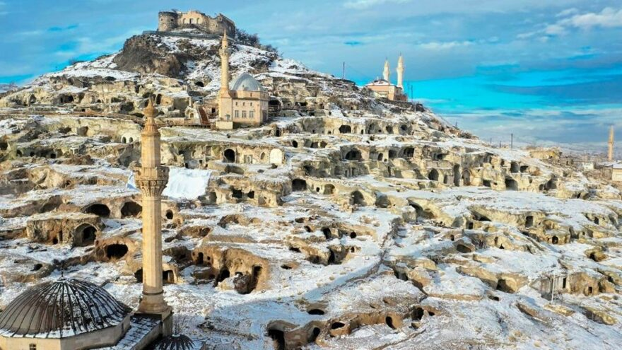 Dünyanın en büyük yamaç yerleşim merkezinden kartpostallık görüntüler