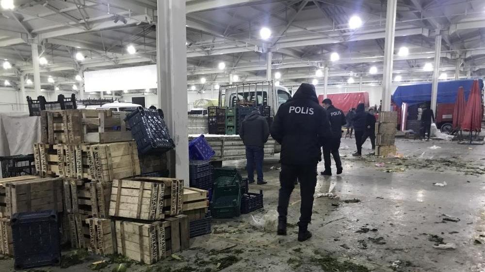 Cinayetle biten pazar kavgası bin lira yüzünden çıkmış