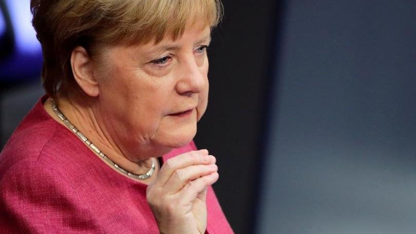 Almanya'da corona kısıtlamalarının süresi uzatıldı
