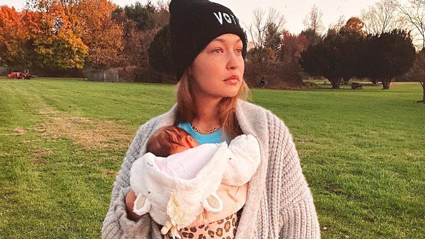 Dört aydır bebeğinin adını sır gibi saklıyordu... Sonunda açıkladı!