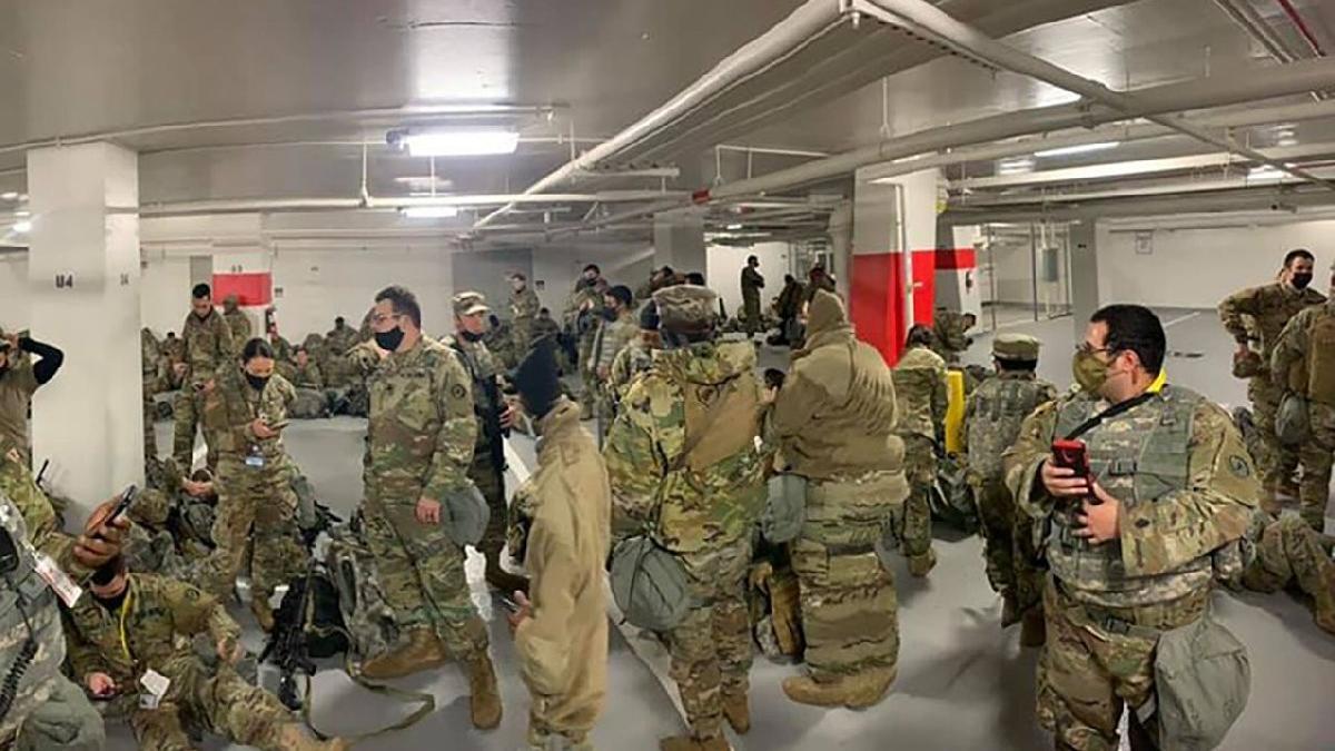 ABD'de Ulusal Muhafız krizi büyüyor: Yerlerde yatan askerlerin 200'ü corona oldu