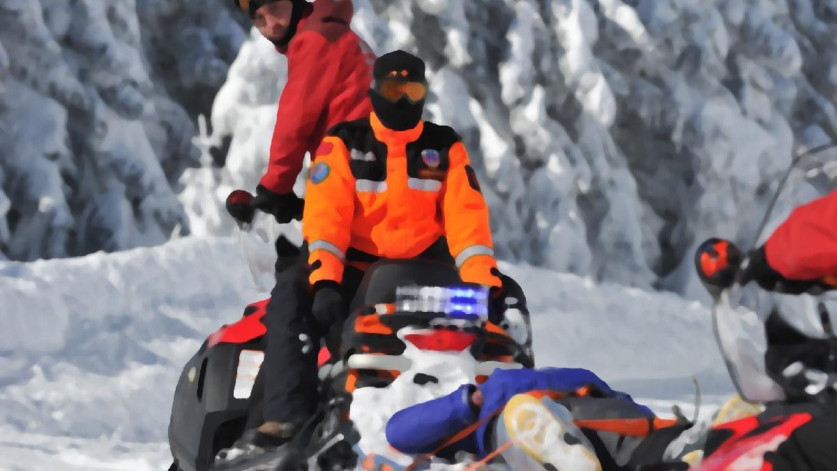 Dağda mahsur kalan 3 kişi için harekete geçildi
