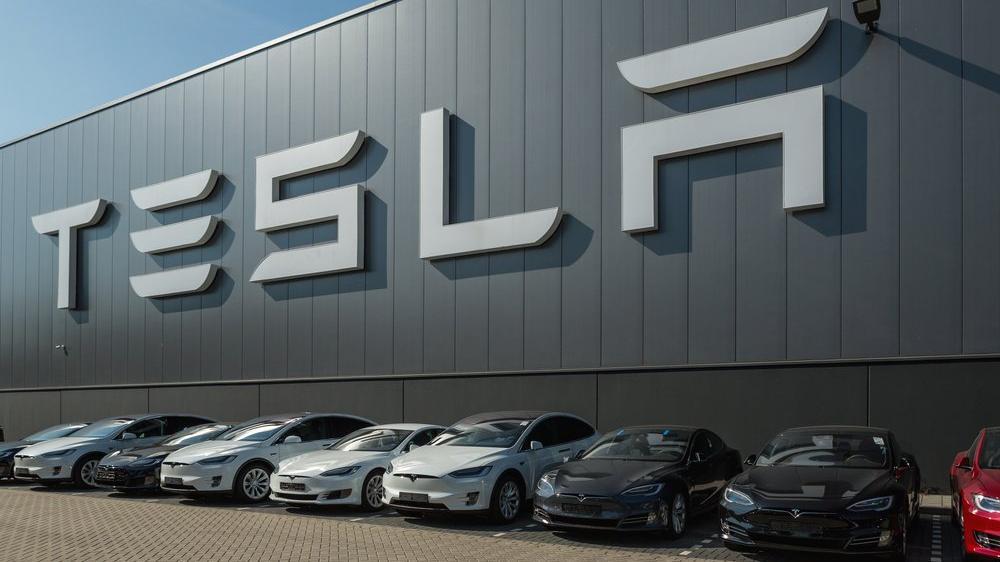 Elon Musk'tan eski çalışanına 'ticari sır hırsızlığı' davası