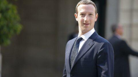 Facebook: Siyaseti kaldıracağız