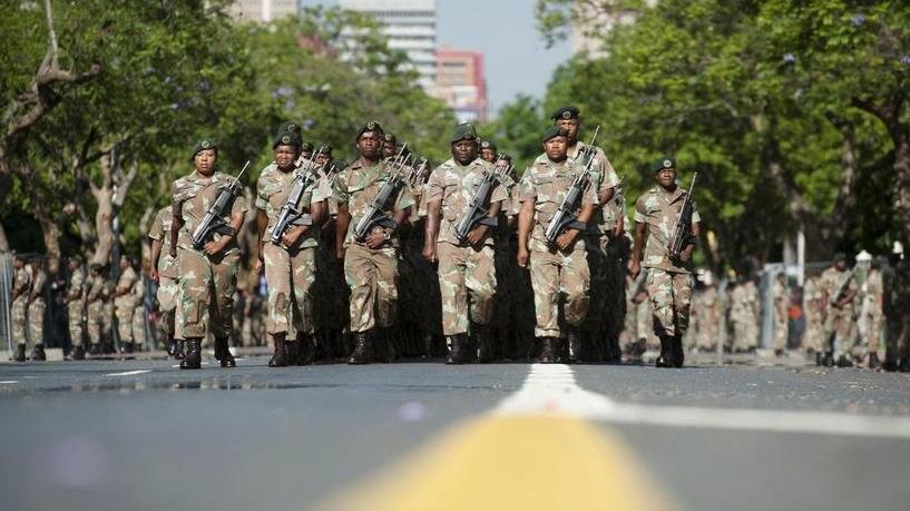 Güney Afrika Ordusu'nda başörtü yasağı kaldırıldı