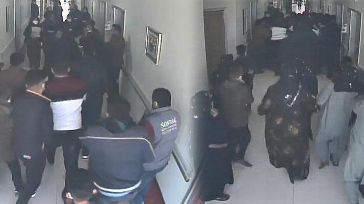 Hastanede korku dolu anlar: Tekme tokat dövüldü