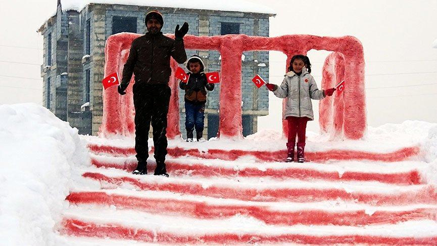 Hira'nın hayali, babasının yaptığı kardan Anıtkabir'le gerçekleşti