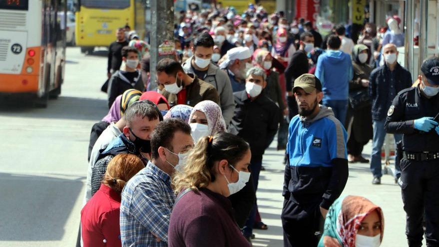 Pandemide 256 şube kapandı, 2 bin 224 bankacı işsiz kaldı
