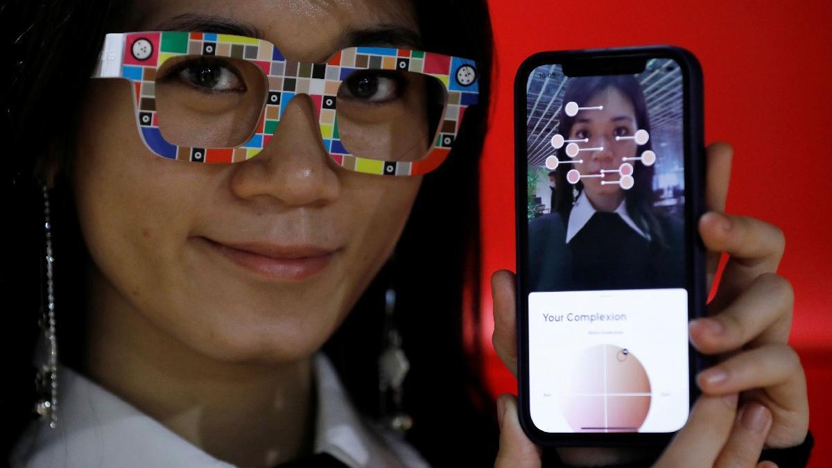Akıllı telefonla ten renginizi ölçecek gözlük