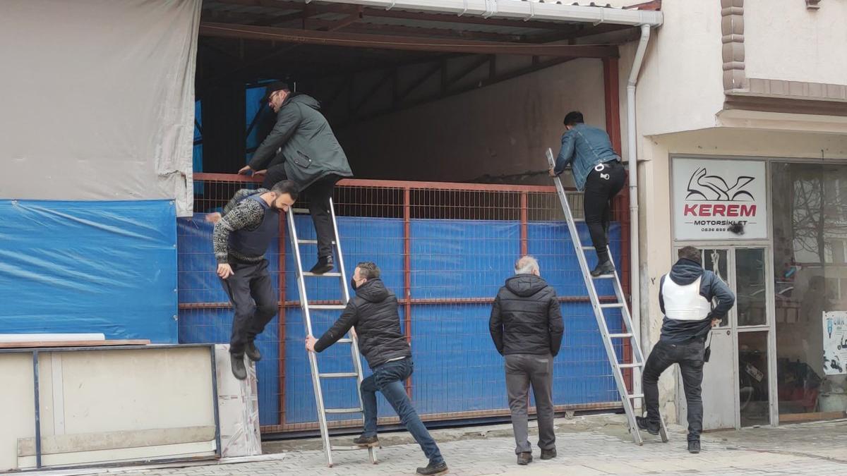 Bursa'da polise ateş edip kaçan şüpheli suç makinesi çıktı
