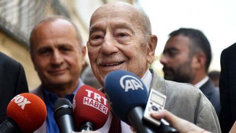 Eski siyasetçi ve yazar Ömer Cahit Kayra yaşamını yitirdi