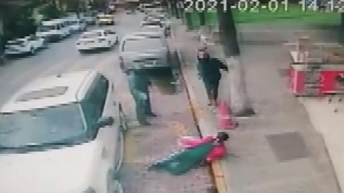 İş adamına silahlı saldırı! Dehşet anları kamerada