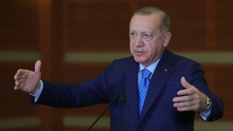 Erdoğan'a 'Müslüm Gürses' sürprizi! Teşekkür ederken 'baba'ları karıştırdı