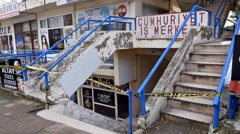 İzmir'de deprem fırtınasının ardından 22 dükkana tahliye kararı