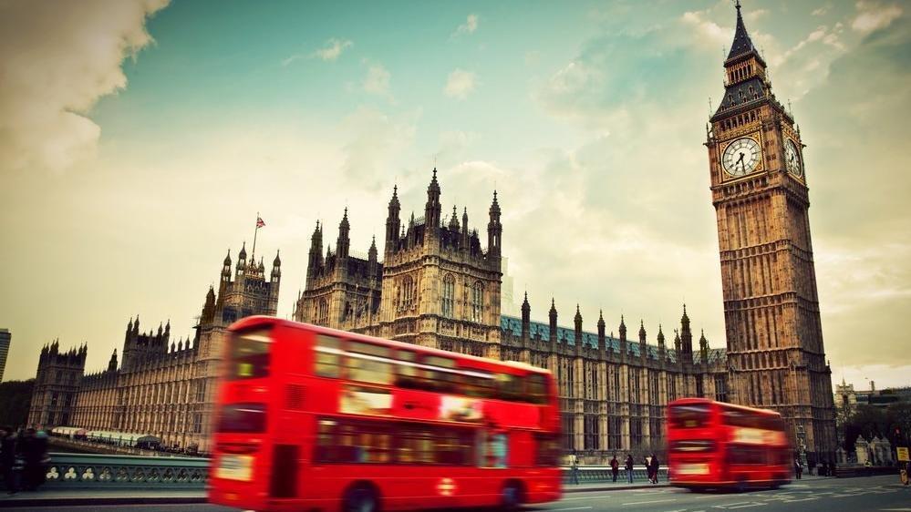 İngiltere'de plaka ve ehliyetlere 'Brexit' ayarı