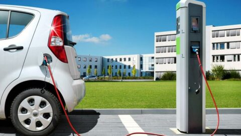Elektrikli aracı vergi çarptı