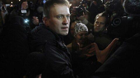 Rus muhalif lider Navalny'e 3,5 yıl hapis cezası